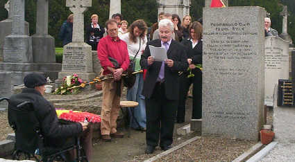 Manus O'Riordan delivers the oration at Ryans grave, 16th Oct. 2005